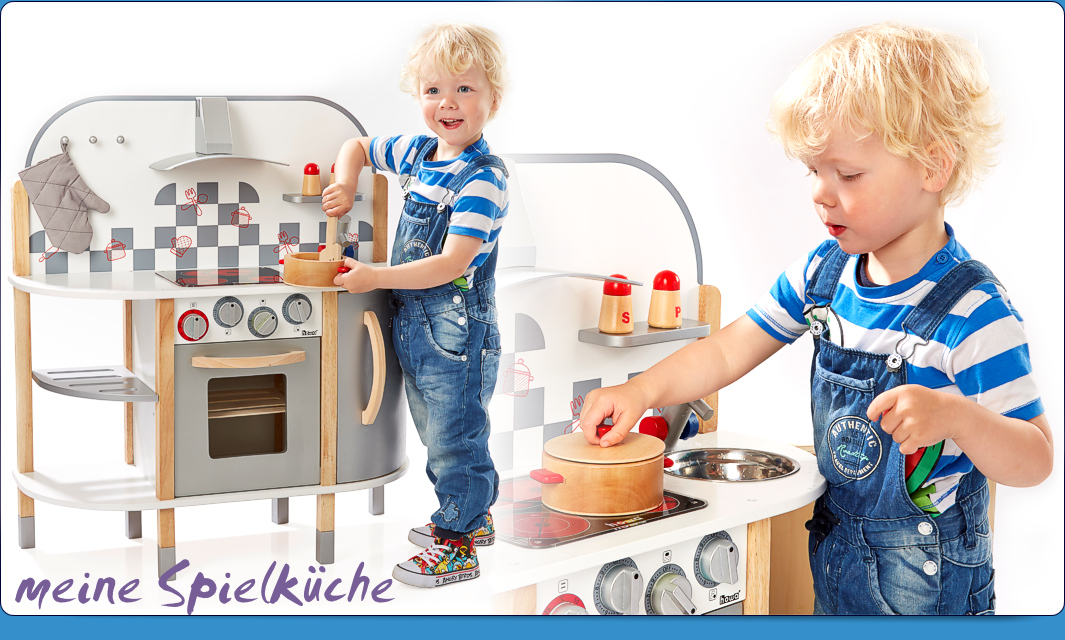Toy kitchens & accessories